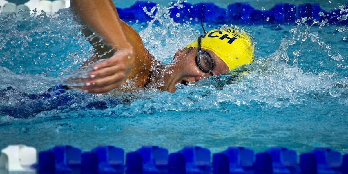 Distance swimmer with tech suit