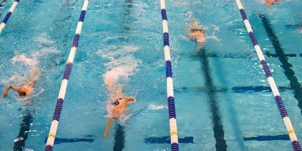 fitbits for swimming
